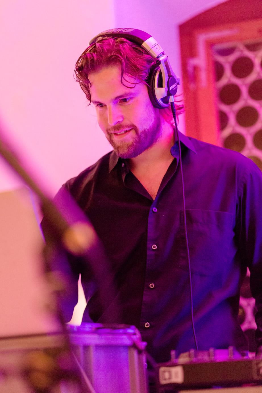 DJ Hochzeit - djnerds.ch DJ Mario Di Pietro